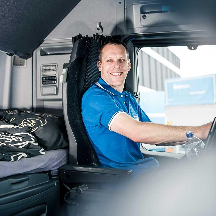 Chauffeur von Brauch in der Fahrerkabine